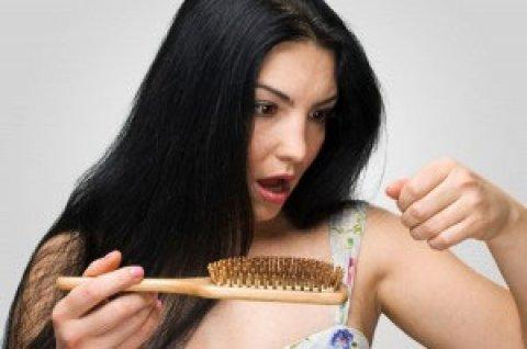 Get Lustrous, Dandruff free Hair